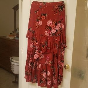Torrid Red floral high low skirt ruffles NWT 0 L